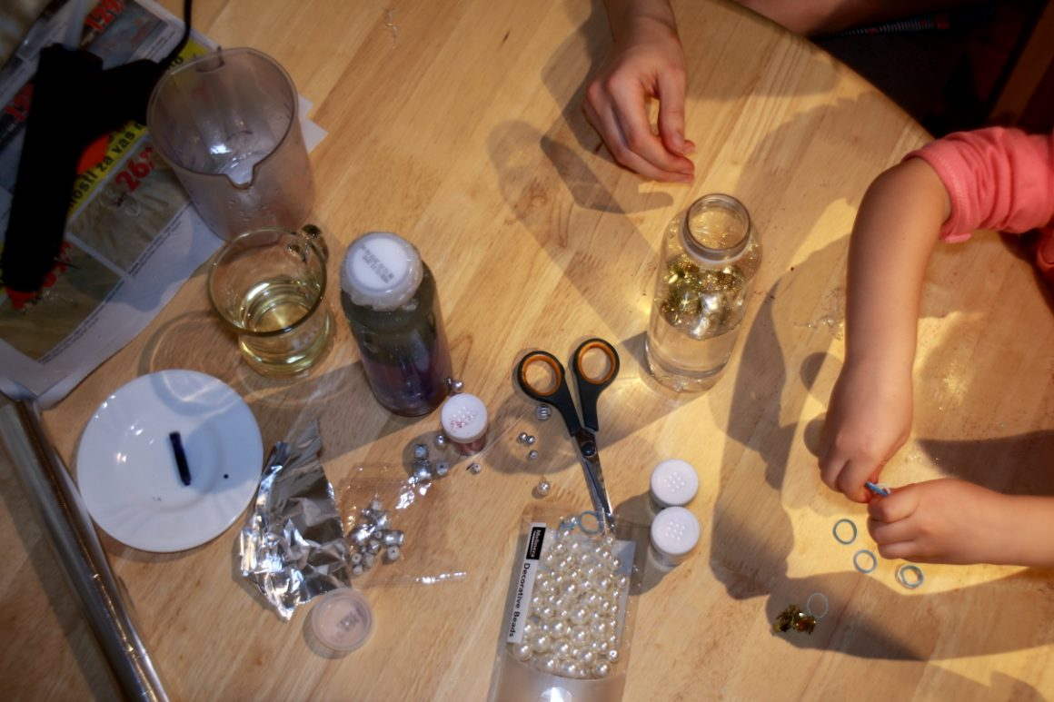 Senzorična flaška - otrokov razvoj