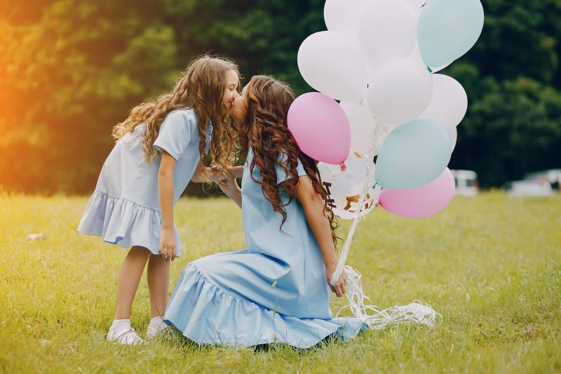 Zmenek mame in očeta = srečni otroci